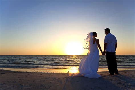 Beach Wedding : Lovers Key Adventures
