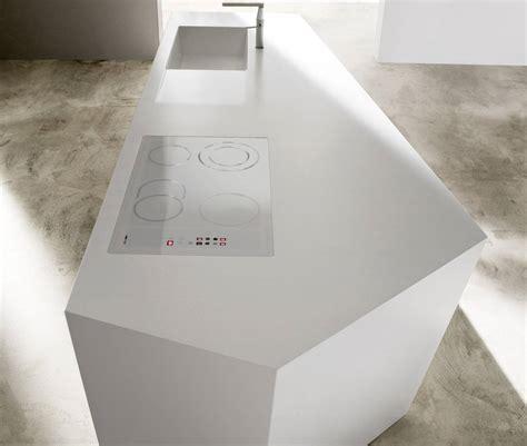 Cucine Corian Nelle Cucine In Solid Surfaces Il Design Incontra L