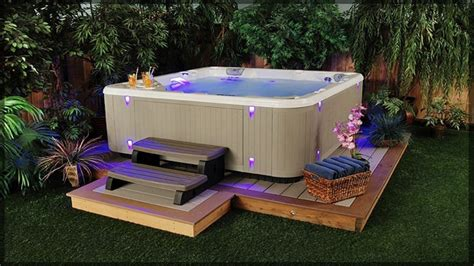 In that case, here are the things that you must look for in the best hot tub gazebo. 10 Hot Tub Enclosure Ideas | Home Buying Checklist