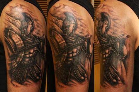 Spartan - tetovējums, kas atspoguļo vīrišķību, spēku un drosmi