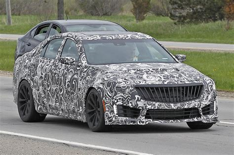 cadillac cts  spied   twin turbo