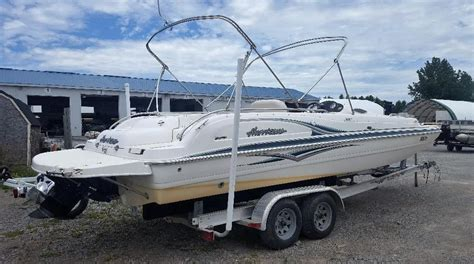 Deck Boat Ottawa by Hurricane 24 Fundeck 2005 Used Boat For Sale In