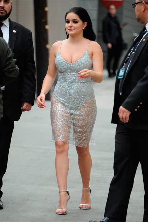 Modern Family star Ariel Winter shows off body confidence