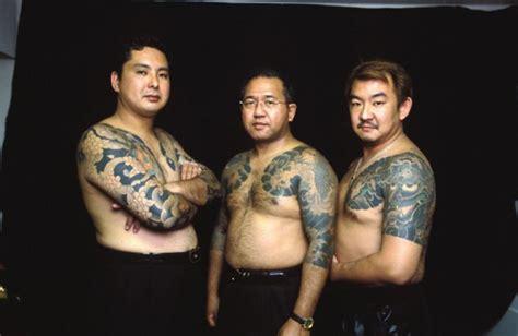 restaurateur sues godfather  japans  feared yakuza