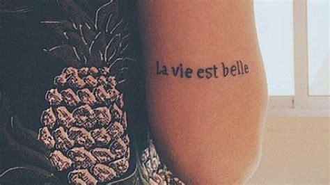 Idée De Tatouage  40 Phrases à Se Faire Tatouer