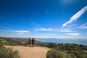 Hiking in the Santa Monica Mountains, California | Girl ...