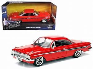 Fast And Furious F8 : dom 39 s chevrolet impala red fast furious f8 fast and furious pinterest diecast model cars ~ Medecine-chirurgie-esthetiques.com Avis de Voitures