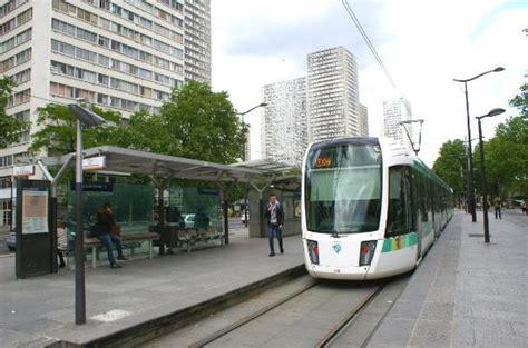 Cyclo Le Quartier Chinois Avenue De Choisy Station De Tram Quot Porte De Choisy Quot Bd Masséna Picture