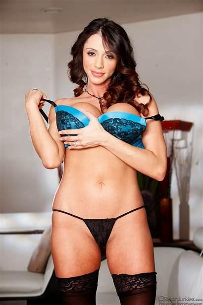 Ariella Ferrera Mature Stockings Reality