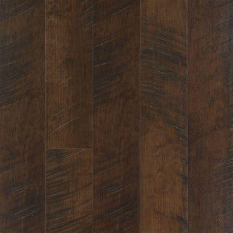 maple laminate pergo outlast molasses maple laminate flooring 5 in x 7 in take home sle pe 740138 the