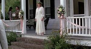 forrest gump39s big old house in alabama With forrest gump jenny wedding dress