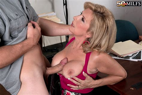 Mature Laura Layne Titty And Pussy Fucked Pichunter