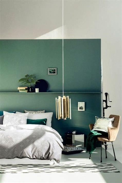 décoration mur chambre à coucher déco salon mur couleur blnac bleu chambre à