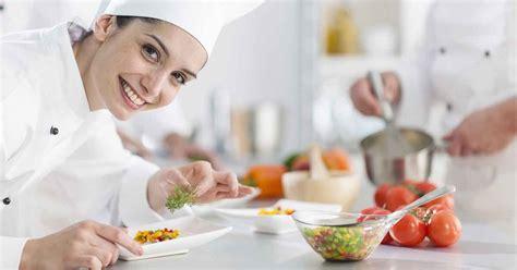 chef wanita  sukses menggebrak dunia kuliner hock