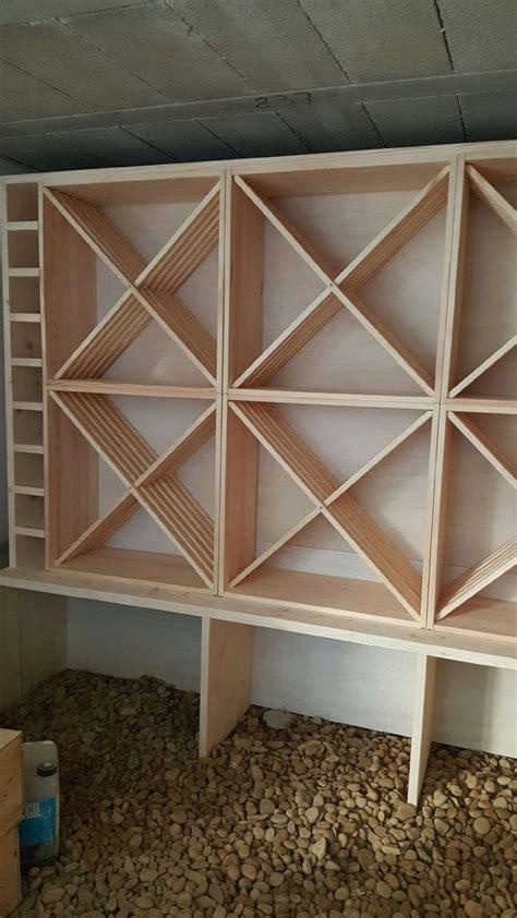 les 25 meilleures id 233 es concernant casiers 192 bouteilles de vin en bois sur casiers