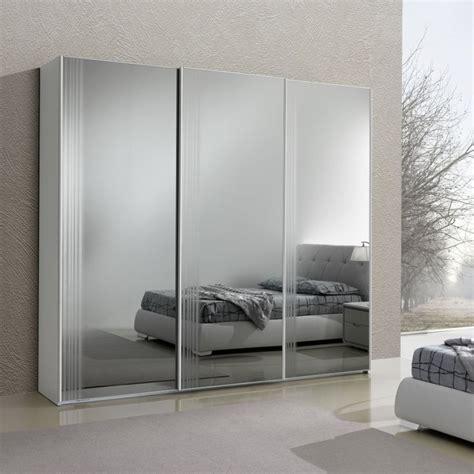 armadi a specchio scorrevoli armadio rouen a 3 ante scorrevoli a specchio