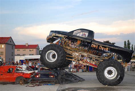video of monster truck wallpaper crazy monstertrucks