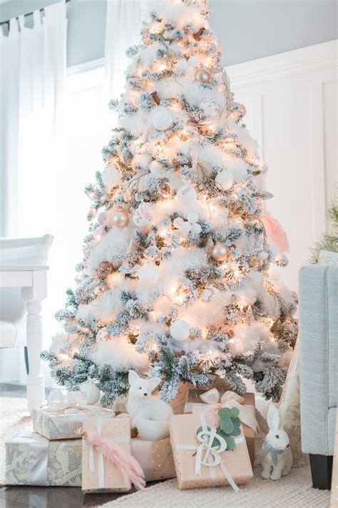 classic color themes   christmas tree