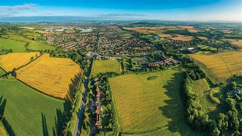 Prices compared: Buying and renting land in Britain ...