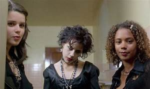 'The Craft' Remake is Actually a Sequel - Bloody Disgusting