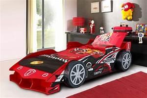 Le lit voiture pour la chambre de votre enfant for Maison design avec piscine 19 le lit voiture pour la chambre de votre enfant