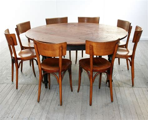 The ideal dining area dimensions are derived slightly differently. Perfect 8 Person Round Dining Table - HomesFeed