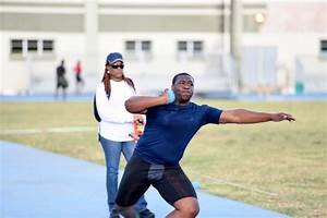 D'Jimon Gumbs sets new National Youth Shot Put Record