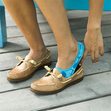 Boat Shoes With Socks Or Without by 216 Best Sperry Style Images On