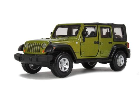 green jeep rubicon unlimited hattons co uk burago 18 43012gn jeep wrangler unlimited