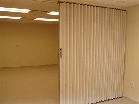 accordian door room dividers lowes room divider screens lowes woodworking