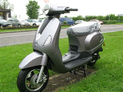 Hmc Vogue 50cc Brand New Italian Inspired Twist N Go Scooter