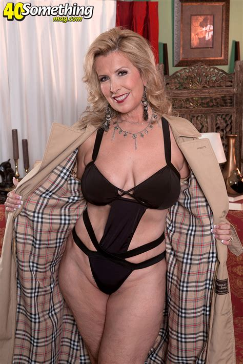 Laura Layne Milf Undercover 40 Something Mag 106744