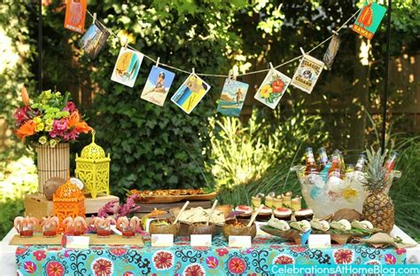 Tropical Theme : Tropical Themed Party Ideas + Free Printables