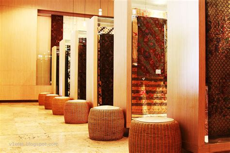 tempat  tekstil tradisional indonesia tersimpan