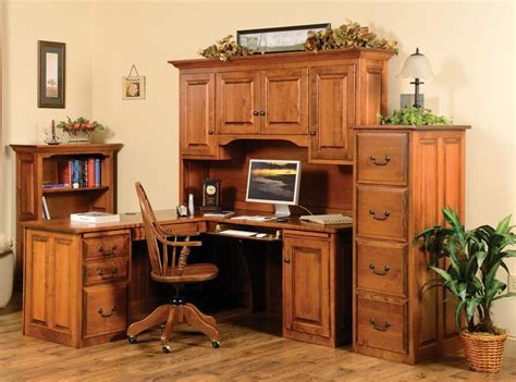 Corner Executive Desk with Hutch   Town & Country Furniture