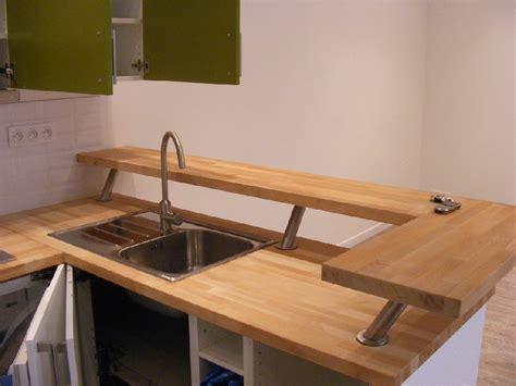 poser plan de travail cuisine plan de travail cuisine bois cuisine stratifi de travail