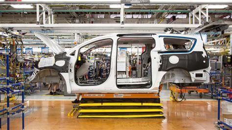 Next Generation Chrysler Minivan by Fcagroup Chrysler