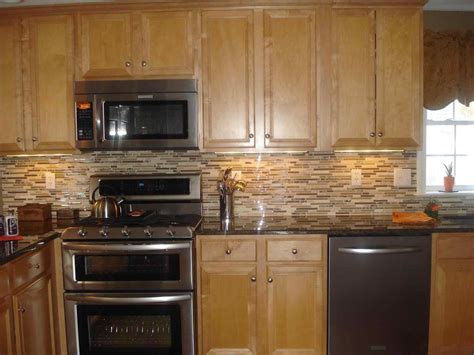 pics of kitchen cabinets kitchen color ideas with oak cabinets and black appliances 4179