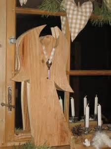 weihnachtsdeko ideen holz weihnachtsdeko engel aus holz bvrao