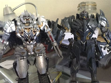 The Last Knight Premier Edition Voyager Megatron