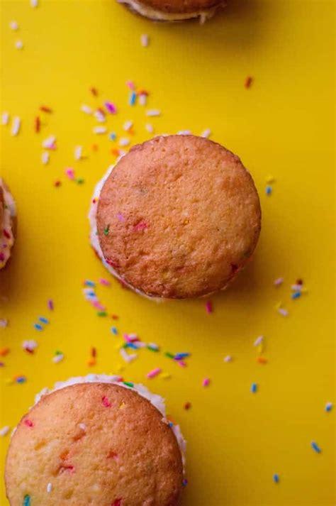 cake mix whoopie pies cookie dough  oven mitt