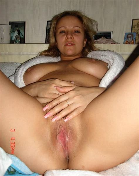 Big Tits Photo Beautiful Housewife Shows Her Great