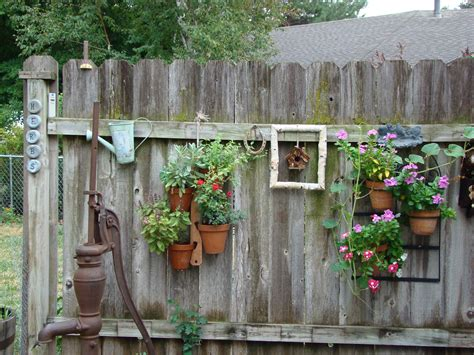 garden fence decor ideas  bring whimsy   dull