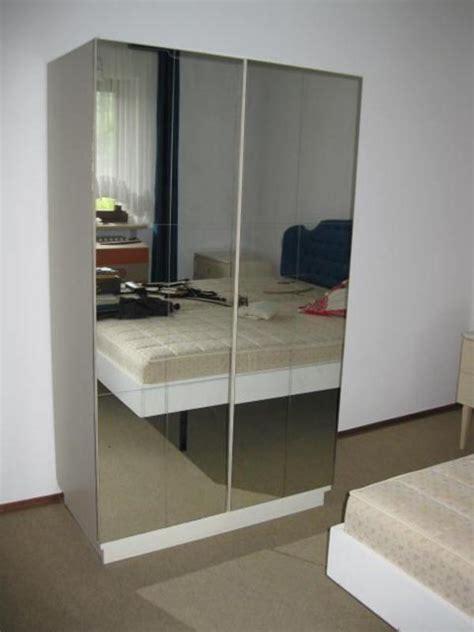 ikea kleiderschrank mit spiegel kleiderschrank 100 x 170 x 55 weiss spiegel in zell schr 228 nke sonstige schlafzimmerm 246 bel