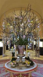 The, Easter, Display, In, The, Ritz, London, Lobby