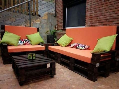Pallet Settee by 1001 Ideas For A Cool Pallet For Your Home