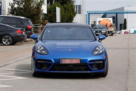 porsche panamera 2017 2017 porsche panamera looks great in blue autoevolution