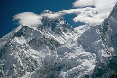 Will Everest's Climbing Circus Slow Down After Disasters?