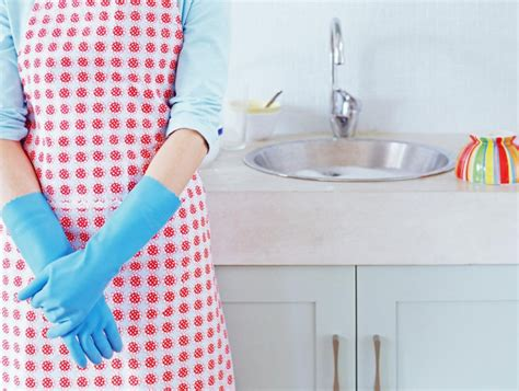 cleaning the kitchen 6 cleaning tips to keep your kitchen tidy and smell