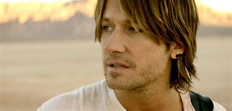 Keith Urban Talks Growing Up With An Alcoholic Father